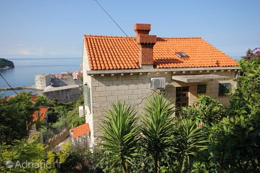Property Dubrovnik (Dubrovnik) - Accommodation 8999 - Apartments with pebble beach.