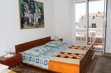 Room S-9038-a - Apartments and Rooms Makarska (Makarska) - 9038