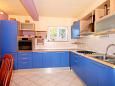 Kitchen - Apartment A-9172-a - Apartments Lumbarda (Korčula) - 9172