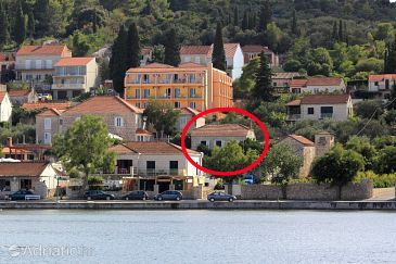 Property Lumbarda (Korčula) - Accommodation 9176 - Apartments near sea with sandy beach.