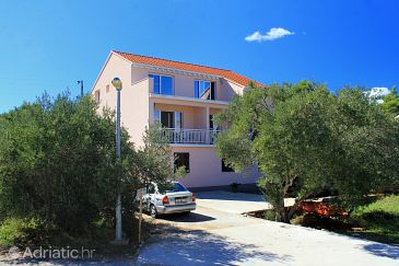 Property Lumbarda (Korčula) - Accommodation 9302 - Apartments near sea with pebble beach.