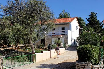 Property Novalja (Pag) - Accommodation 9338 - Apartments with pebble beach.