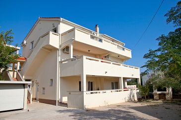 Property Novalja (Pag) - Accommodation 9342 - Apartments with pebble beach.