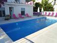Seget Vranjica, Trogir, Courtyard 9430 - Vacation Rentals blizu mora.