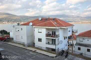 Property Mastrinka (Čiovo) - Accommodation 9447 - Apartments near sea with pebble beach.