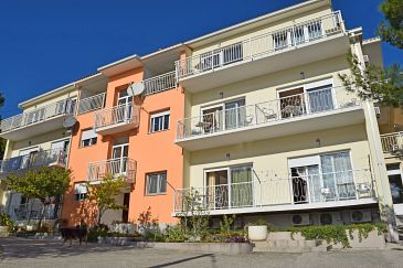 Obiekt Duće (Omiš) - Zakwaterowanie 946 - Apartamenty blisko morza z piaszczystą plażą.