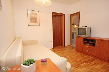 Apartment A-9460-a - Apartments Omiš (Omiš) - 9460