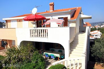 Sevid, Trogir, Property 9468 - Apartments blizu mora with pebble beach.