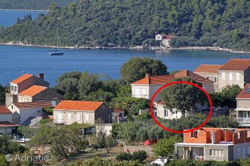 Property Lumbarda (Korčula) - Accommodation 9474 - Apartments with pebble beach.