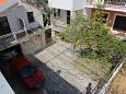 Parking lot Makarska (Makarska) - Accommodation 9506 - Apartments with pebble beach.
