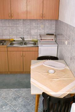 Apartment A-9657-a - Apartments Splitska (Brač) - 9657