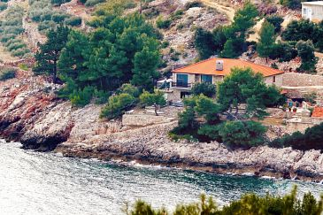 Property Uvala Srhov Dolac (Hvar) - Accommodation 9659 - Apartments near sea.