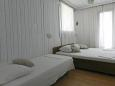 Bedroom 2 - Apartment A-9674-b - Apartments Brist (Makarska) - 9674