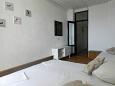 Bedroom 2 - Apartment A-9674-b - Apartments Brist (Makarska) - 9674