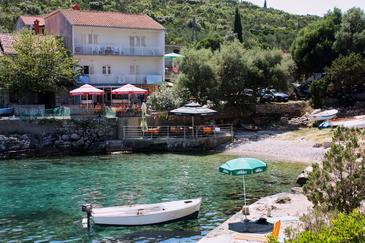 Property Uvala Zaraće (Hvar) - Accommodation 9675 - Apartments near sea with pebble beach.