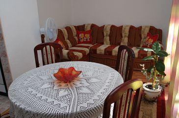 Slatine, Pokój dzienny w zakwaterowaniu typu apartment, dostupna klima i WIFI.