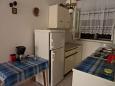Seget Vranjica, Kitchen u smještaju tipa apartment, WIFI.