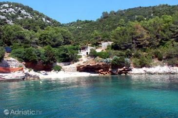 Uvala Srhov Dolac na otoku Hvar (Srednja Dalmacija)